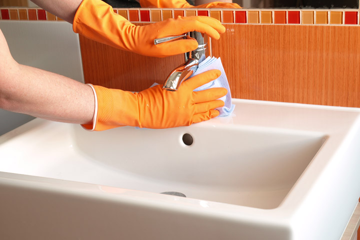 Wash basins and tiles in the bathroom